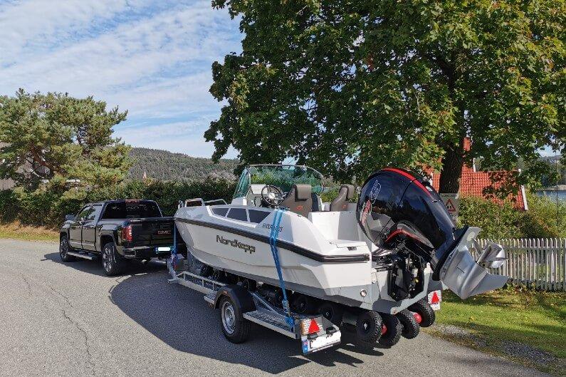 Svela B18XLE er en båthenger